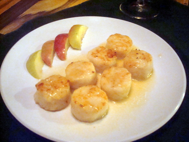 Scallops in Apple Cider Beurre Blanc