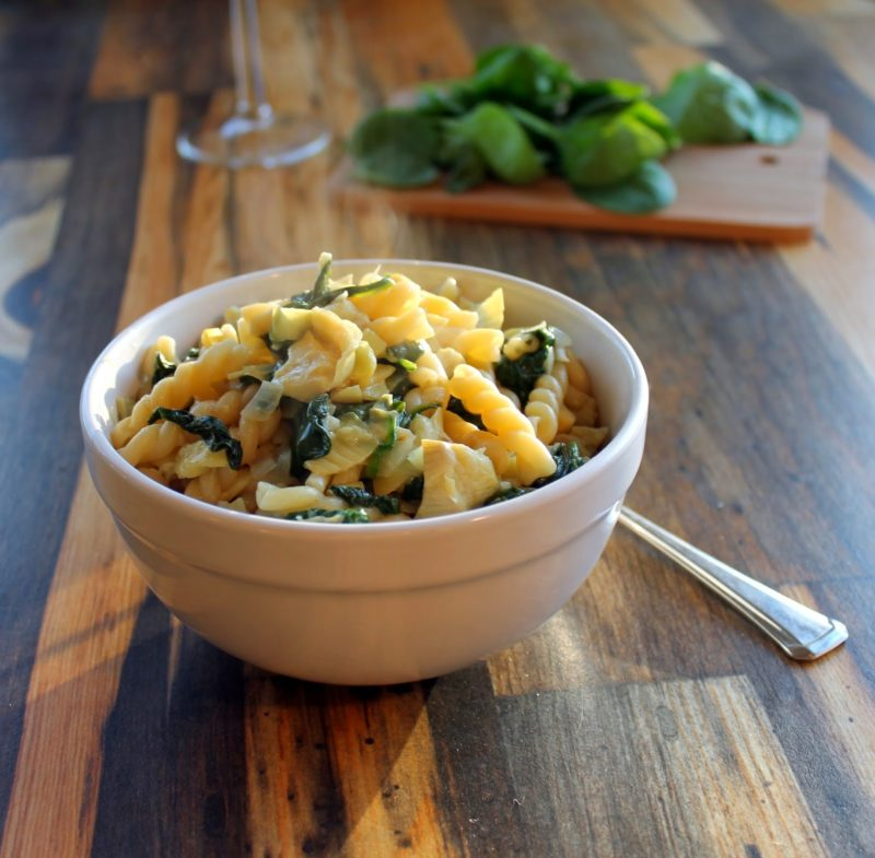 One Pan Spinach Artichoke Pasta