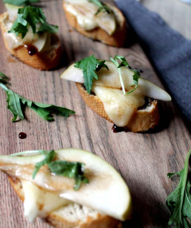 Pear & Brie Toasts - Appetizer