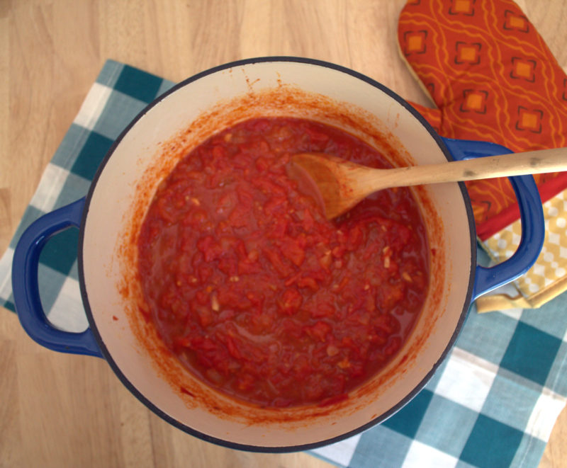 how to cook tomato sauce from scratch